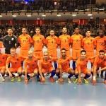Oranje zaal verliest tweemaal van Rusland, maar krijgt staande ovatie van het massaal opgekomen publiek