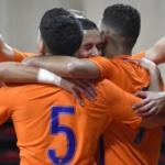 Oranje boekt ruime overwinning bij vrolijk weerzien