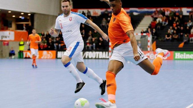 Maandag 23 september en dinsdag 24 september staat het Nederlands zaalvoetbalteam tegenover Servië. - FOTO: KNVB Media