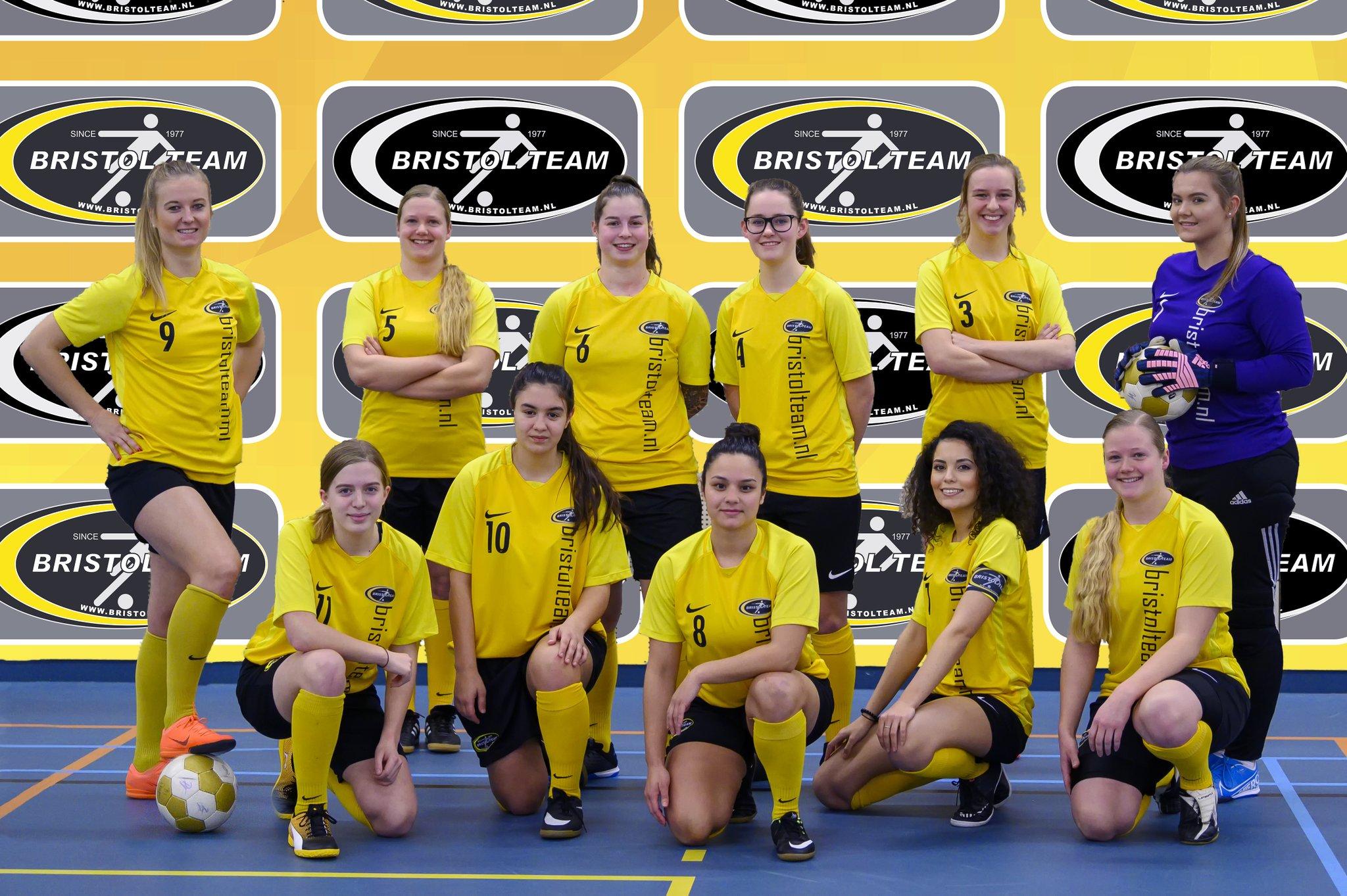 Zaalvrouwen Bristol Team zoeken speelsters en keepster