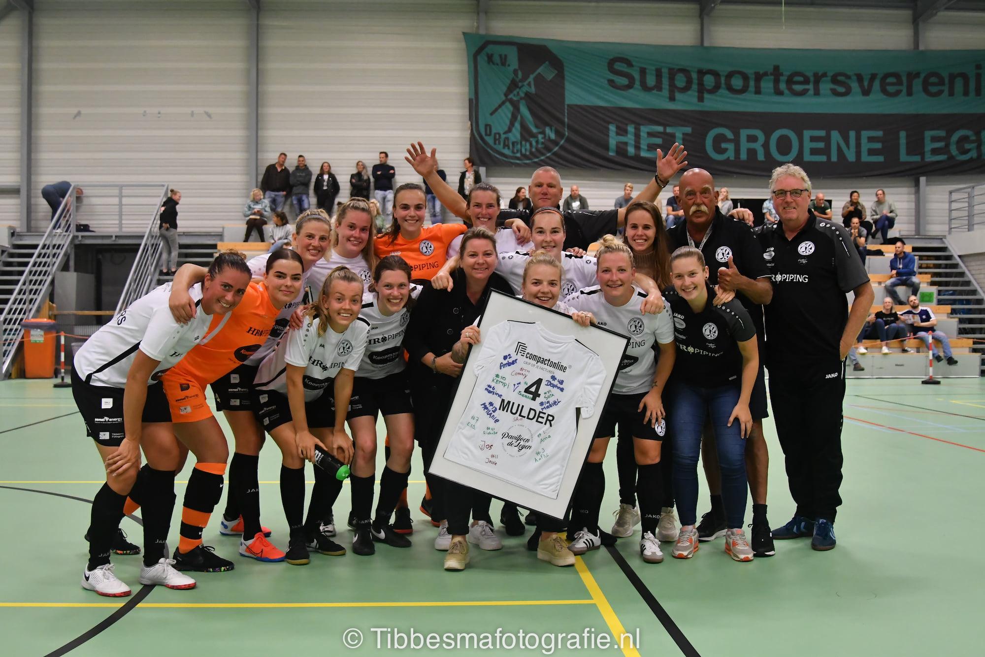 Drachtster Boys/HR Piping VR1 voetbalt zich in 4 minuten langs Feyenoord Futsal VR1